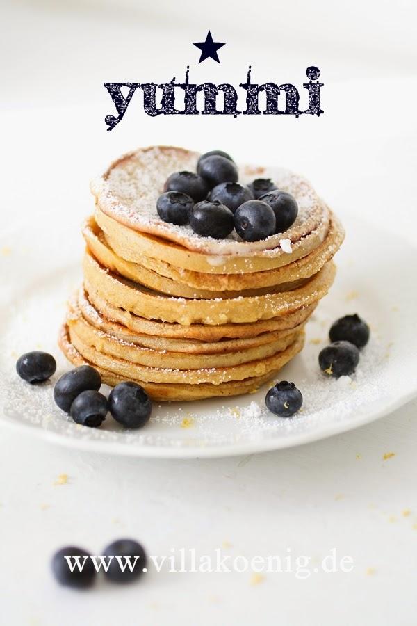 buttermilch pfannkuchen mit blaubeeren villa k nig. Black Bedroom Furniture Sets. Home Design Ideas