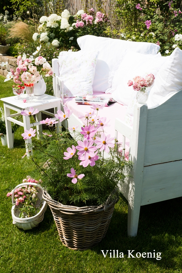 garten im august villa k nig. Black Bedroom Furniture Sets. Home Design Ideas